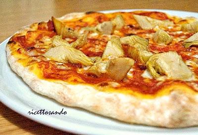 Pizza fatta in casa con lievito madre ricetta ai carciofi