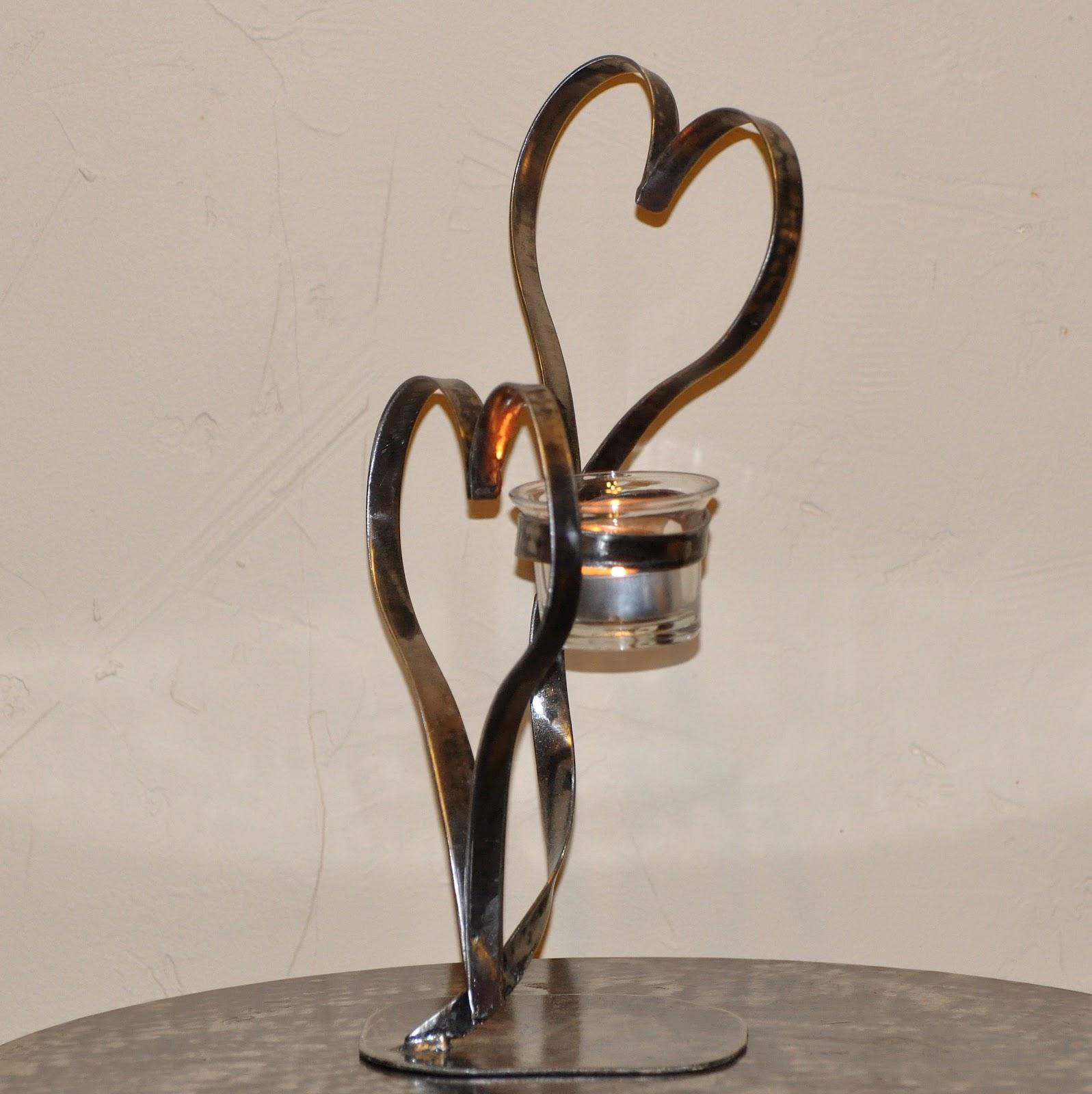 cr ateur d 39 objets d co en fer forg bougeoirs luminaires porte bouteille mai 2012. Black Bedroom Furniture Sets. Home Design Ideas