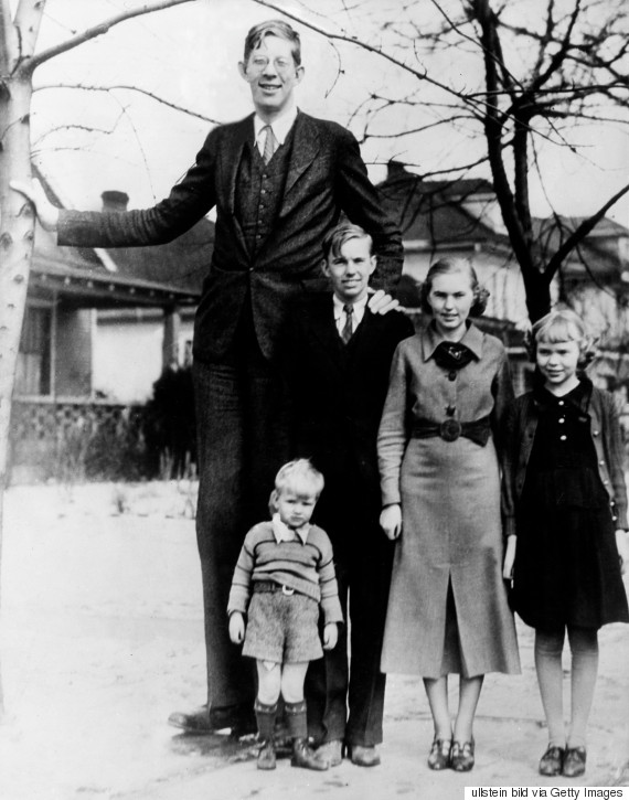 Robert Wadlow: The sensational life of the tallest man who ever ...
