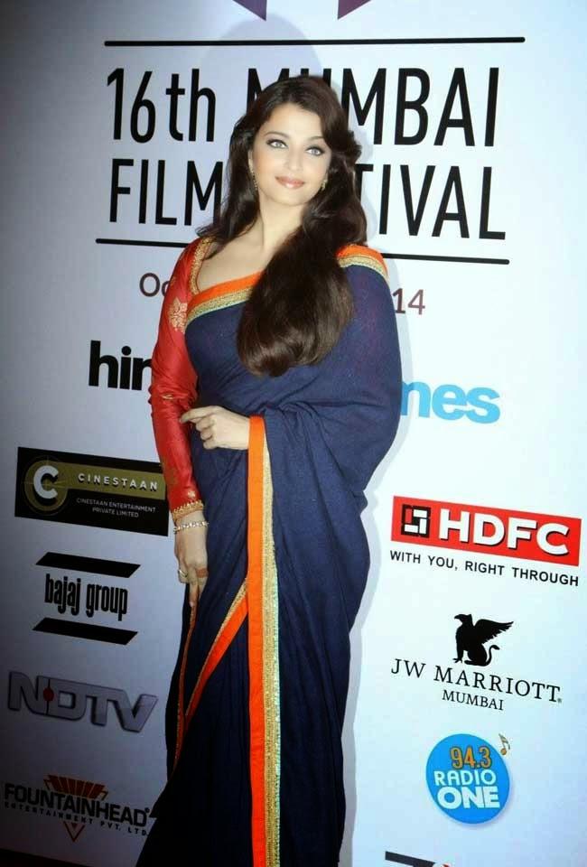 Aishwarya Rai In Navy Blue Saree