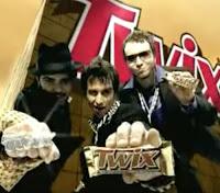 Campanha do chocolate Twix veiculada no começo dos anos 2000 com a história da vida de um rapaz apaixonado pelo chocolate.