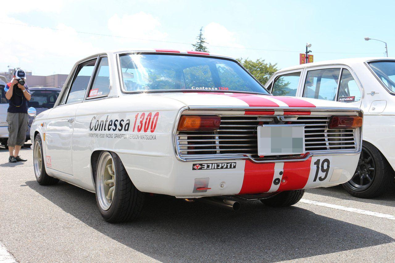 Hino Contessa, PD, 1300, czerwone pasy, tył, red stripes, classic car, oldschool, dawne samochody, japońskie klasyki, クラシックカー
