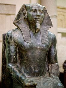 Estatua-del-Faraon-Kefren-Museo-de-El-Cairo-Egipto