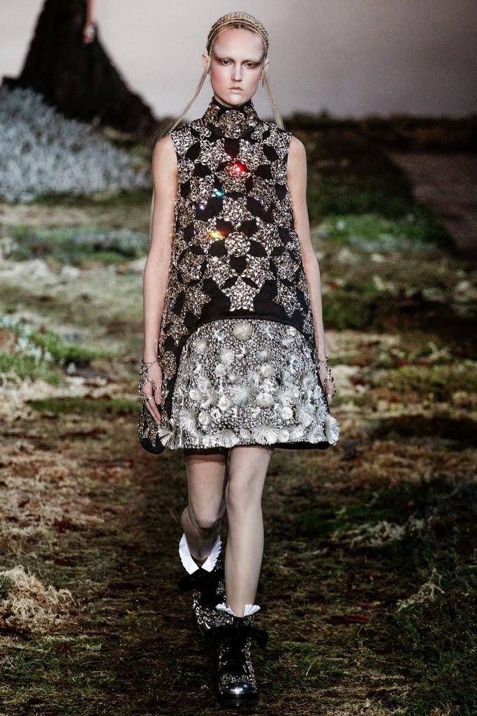 Alexander McQueen Paris Fashion Week Otoño Invierno 2014-2015 20