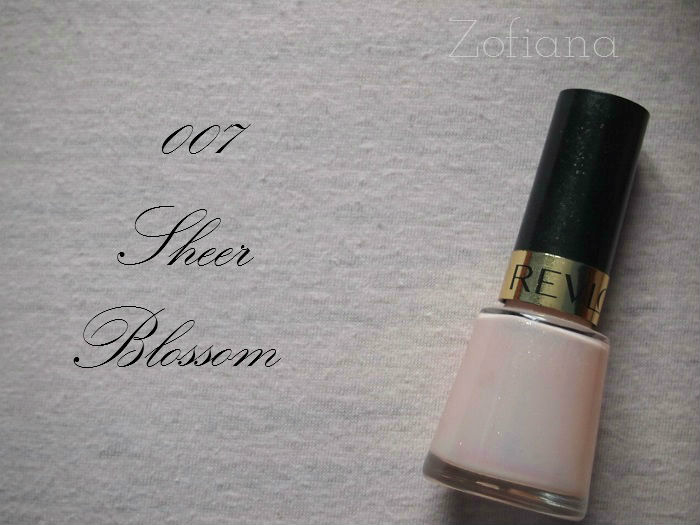 Revlon 007 Sheer Blossom nail polish