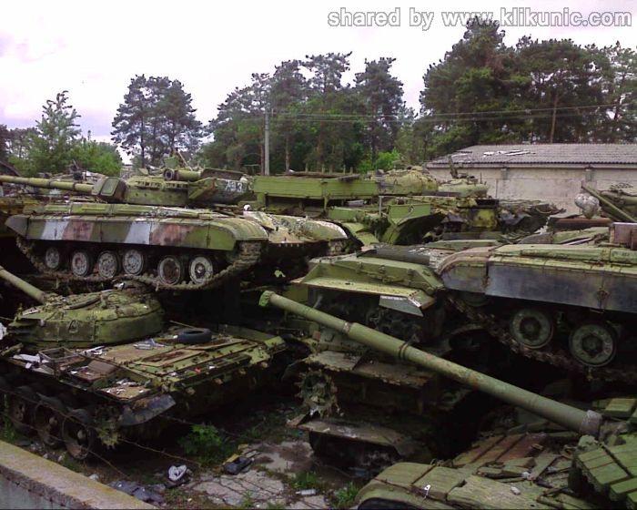 http://3.bp.blogspot.com/-u0VypuztU1Y/TXIlZMCO18I/AAAAAAAAP3k/LhYj9P4weew/s1600/panzer_cemetery_in_kiev_02.jpg