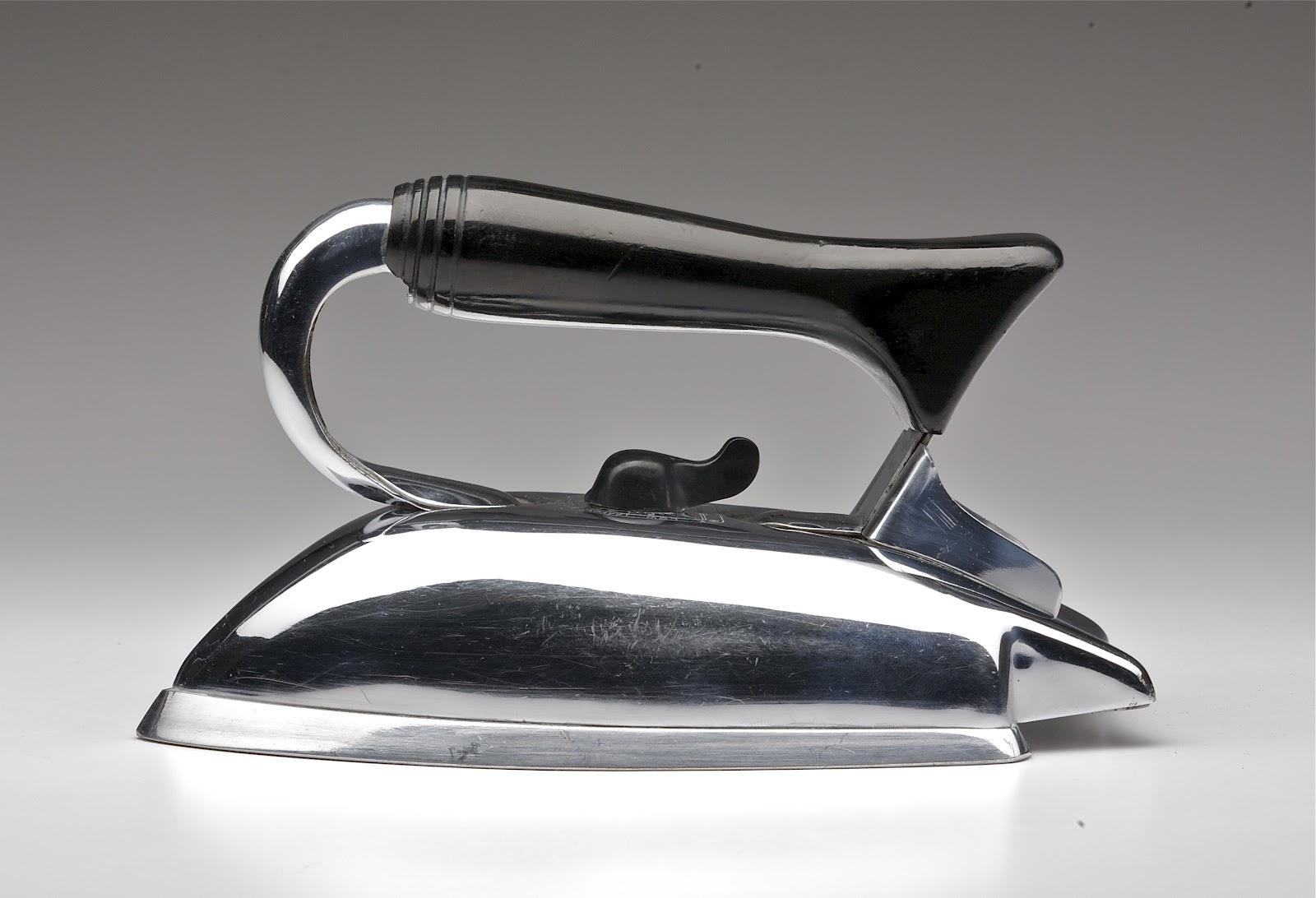 Vintage Electric Irons 112