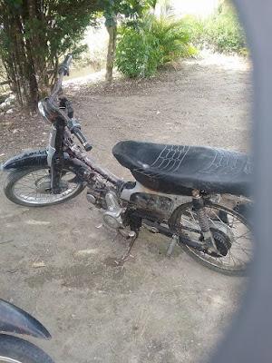 Sepeda motor ini milik almarhum Pdt. L. SIMAGUNSONG, BISHOP HKIP