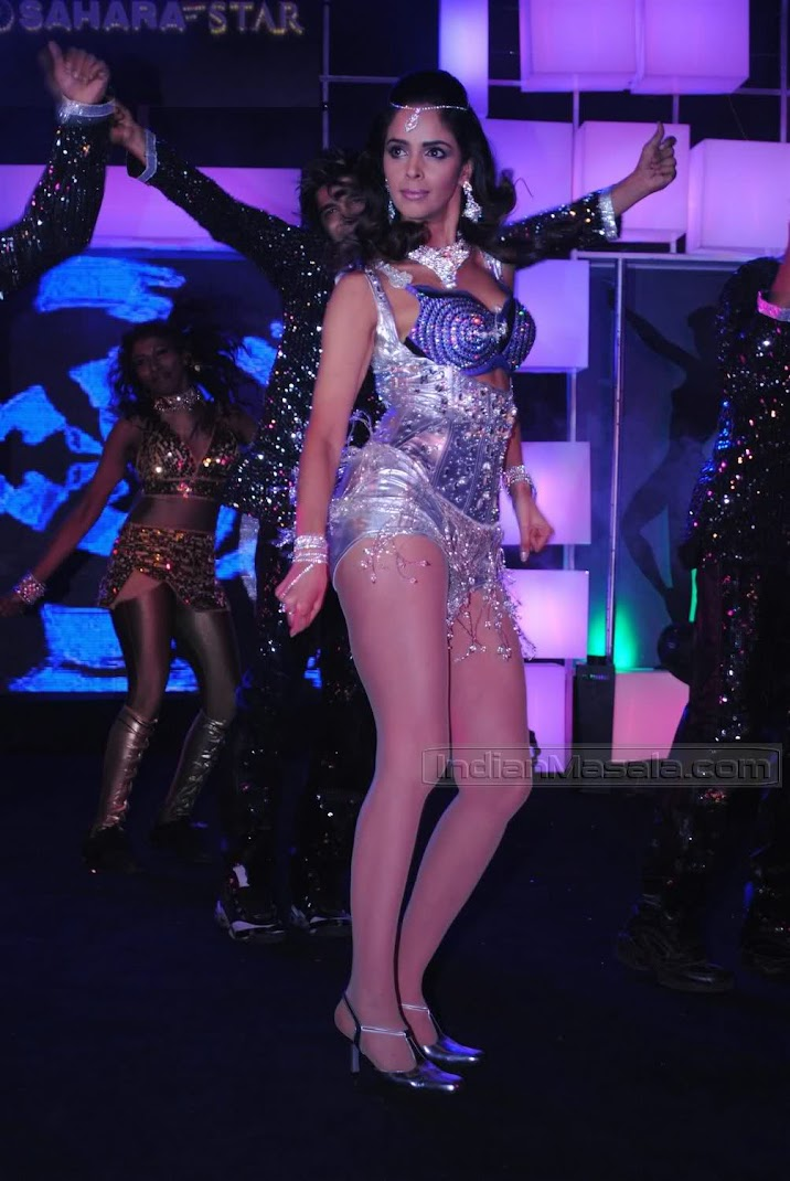 Mallika Sherawat Hot Item Number Pics