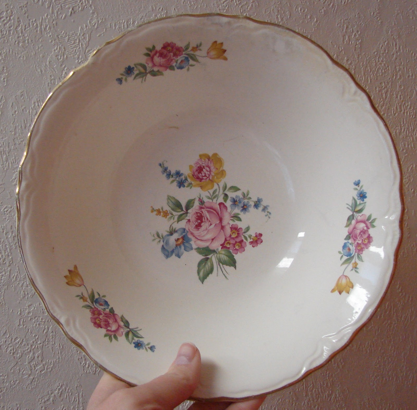 Color my world homer laughlin china for Cuisine rose