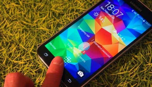 Fingerprint Scanner in Galaxy S5