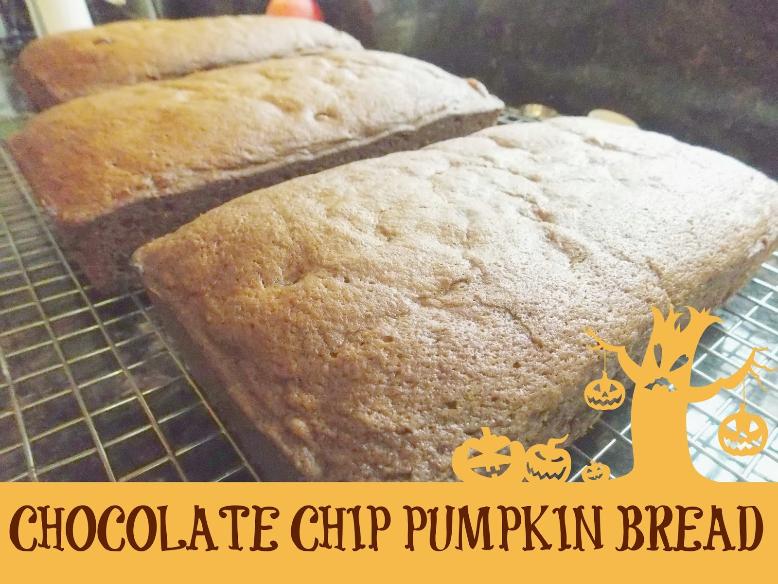 iSavor the Weekend: Chocolate Chip Pumpkin Bread