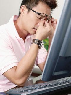Supaya Mata Tidak Cepat Lelah di Depan Komputer