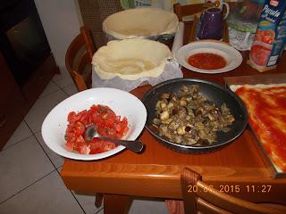 su mustazzeddu con tomatica e melanzane