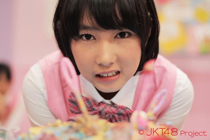 Cute pose Dhike JKT48