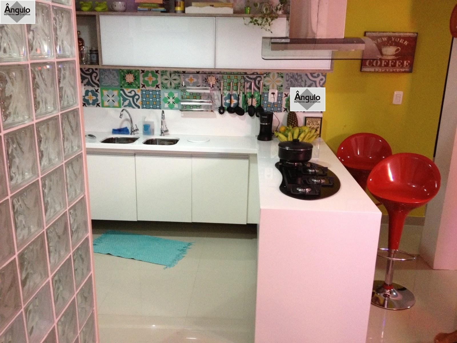 Ângulo Mármores e Granitos: Cozinha Balcão e Mesa em Nanoglass #B21F19 1600 1200