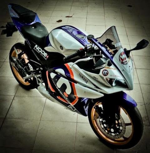 Gambar Modifikasi Motor Yamaha Vixion New Terbaru Putih Moge