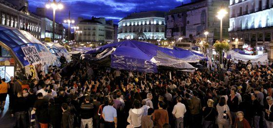 Madrid: EL 15-M PROTESTA EN EL CONGRESSO POR LA ACTUACIÓN POLICIAL DE VALENCIA