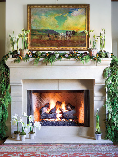 New home interior design christmas decoration part 4 for Christmas garland on fireplace