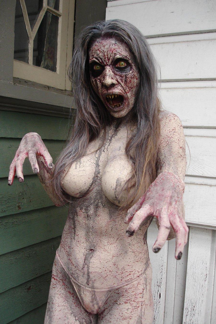 En sexi zombiler fucked boob