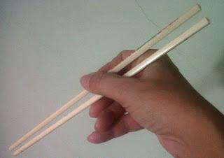 Cara menggunakan sumpit yang baik dan benar