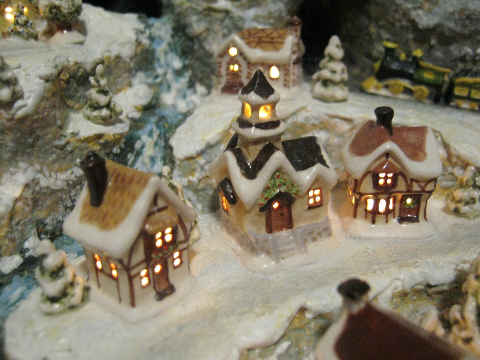 Sylvia Mobley at Pinerose Studio: Miniature Christmas Village