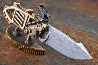 couteau steampunk de Stefan Steigerwald sur socle