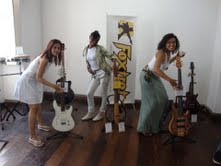 Meninas  brincalhonas, Ana  Paula, Evelinne  e  Kelly
