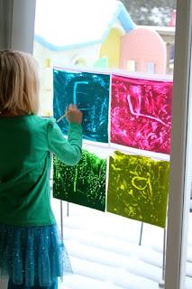 holly 39 s arts and crafts corner toddler art activity. Black Bedroom Furniture Sets. Home Design Ideas