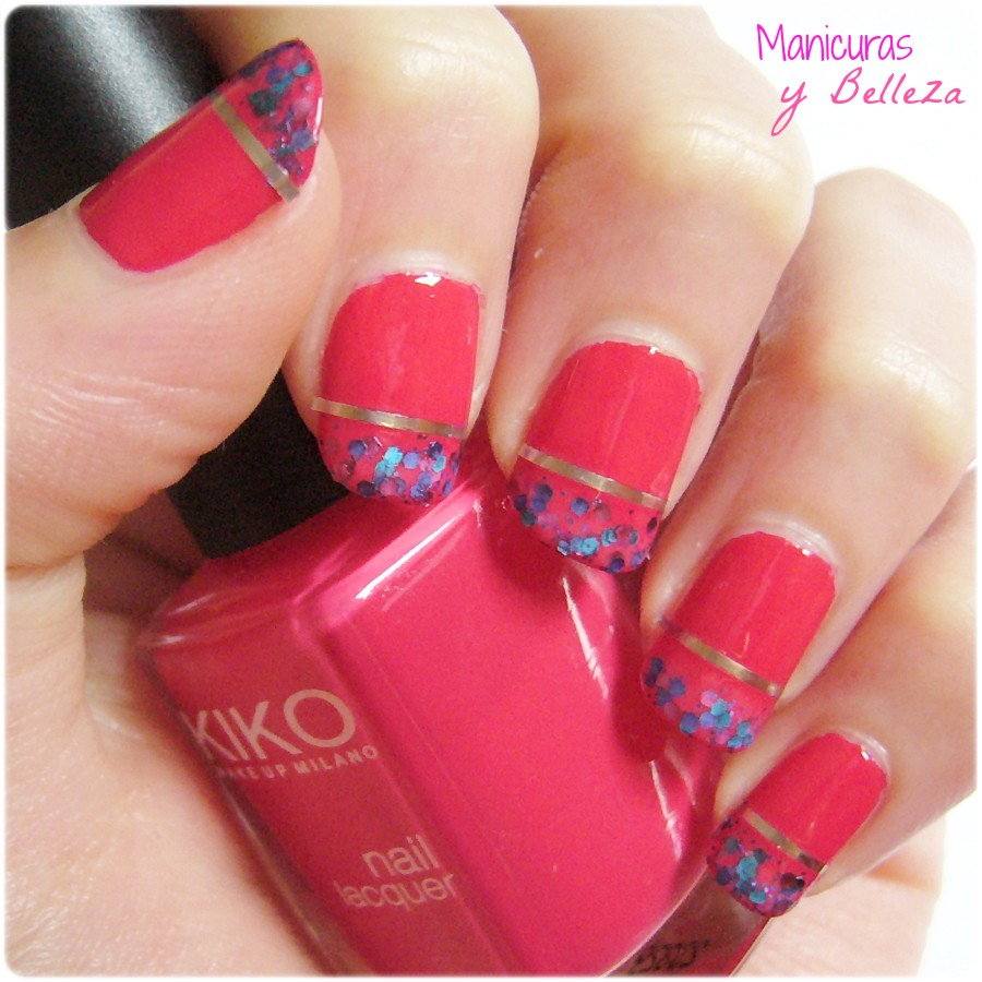 Manicura de Nochebuena con cinta nail art y glitter rosa Kiko Perfect esmalte nail polish nails pink nail striping tape nail art