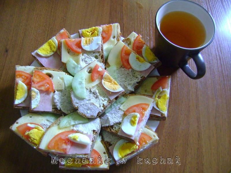Kanapki z pastą z tuńczyka