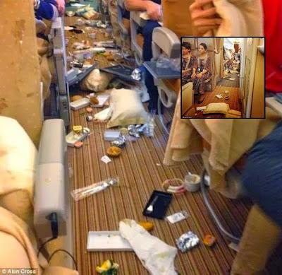 GEMPAR 7 Gambar Saat Cemas Dalam Pesawat Singapura Ketika Menjunam