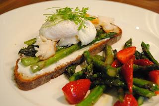 Rezept Spargel-Toastie mit Frühlingssalat
