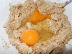 Añadir los huevos.