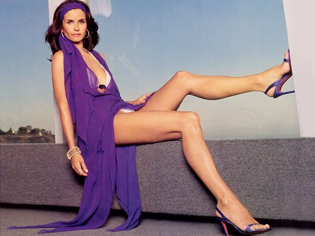 courteney cox naked sexy