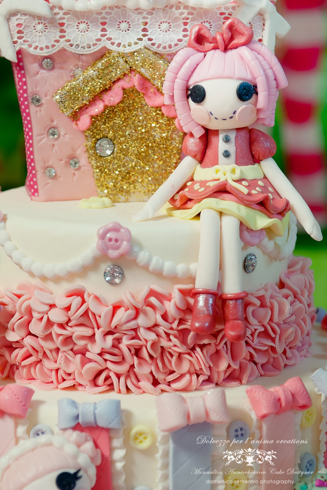 how to make a lalaloopsy doll cake