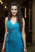 Diksha Panth Glamorous photos-thumbnail-6