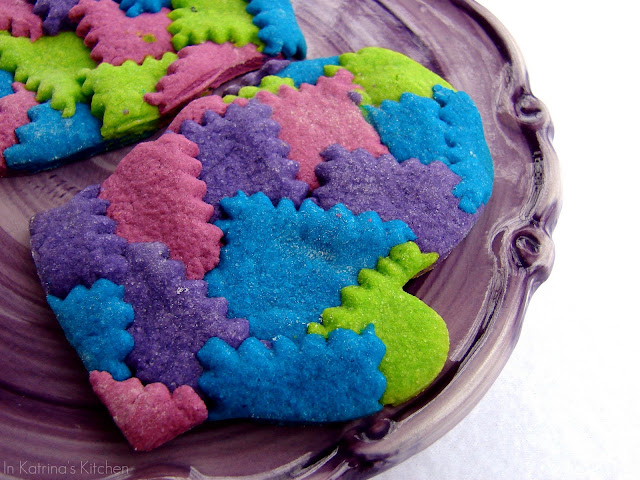 Patchwork Winter Mitten Cookies from @KatrinasKitchen