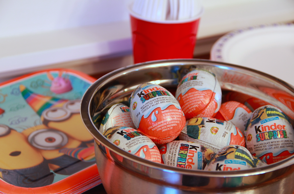 Minion Parties and #KinderSmiles - Kinder Surprise Loot