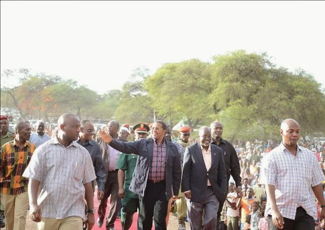Rais Kikwete atimiza ahadi yake ya kujenga daraja la Mwanhuzi wilayani Meatu