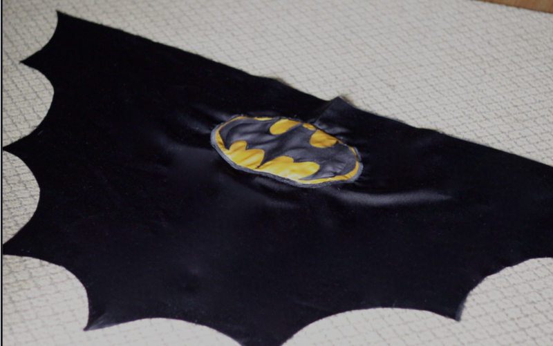 Do it yourself divas diy batman cape this is not any batman cape but a batman cape that actually looks like bat wings i was inspired by the latest batman movie when creating this cape solutioingenieria Image collections