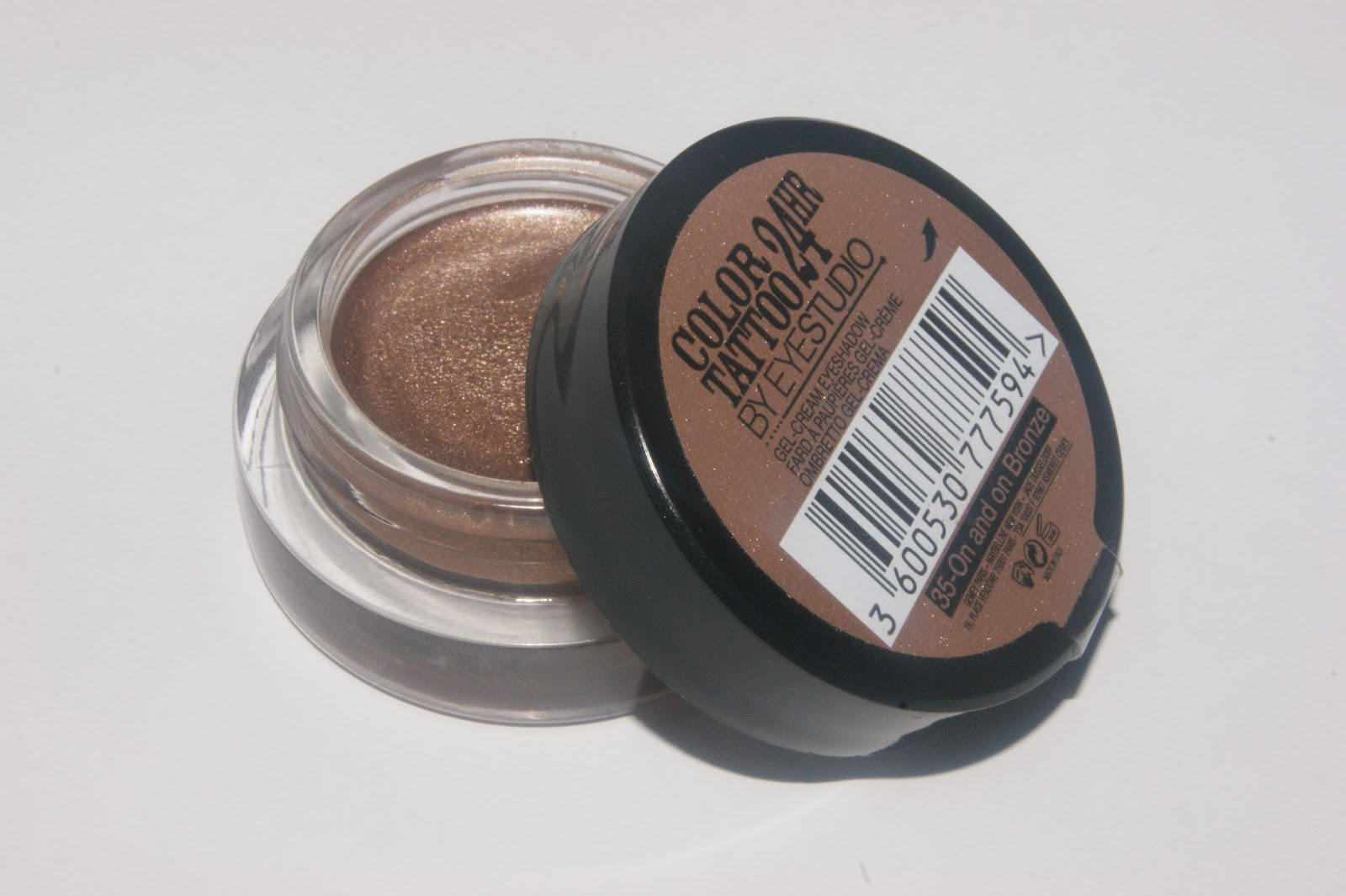 maybelline color 24hr eyeshadow in on and on bronze
