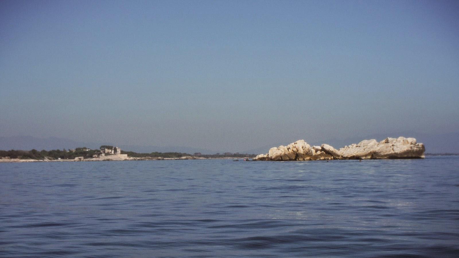 La illa del cargol - Pesca i caiac Costa Brava - L'escala