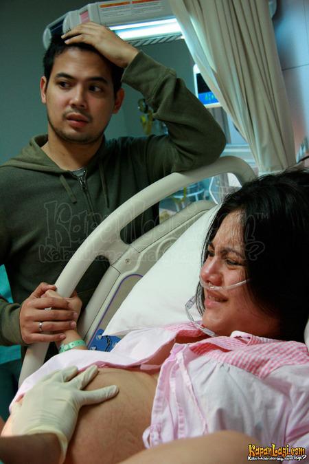 Foto Wulan Guritno Ketika Proses Melahirkan Bayinya, Foto Tersebut ...