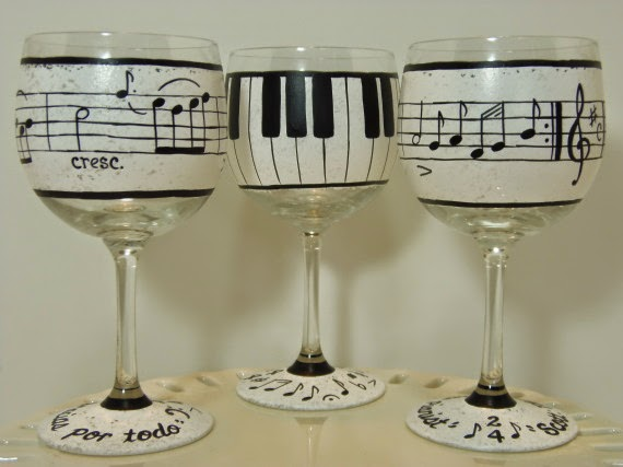 Music Lovers Painted Wine Glasses / www.kudoskitchenbyrenee.wazala.com