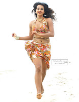 Sanjana sizzling in beach