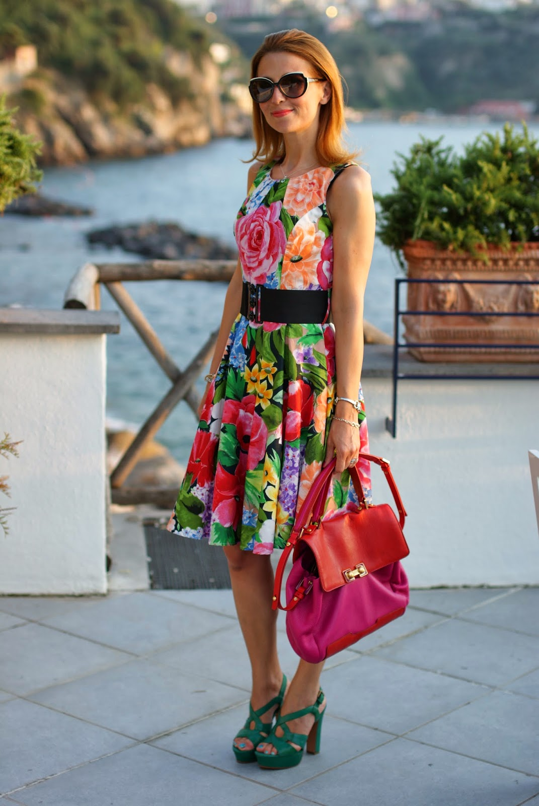 Vintage style floral dress, 50s style dress, Sorrento coast holidays, Fashion and Cookies, fashion blogger