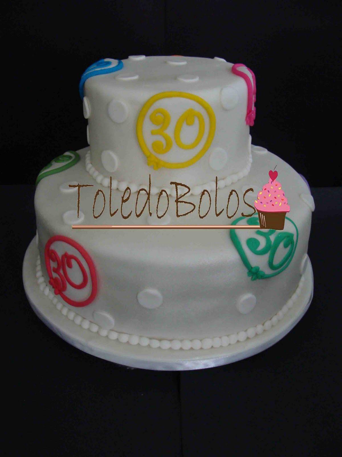 Toledo bolos bolos decorados cupcakes e macarons no rio de bolo aniversrio de 30 anos altavistaventures Gallery