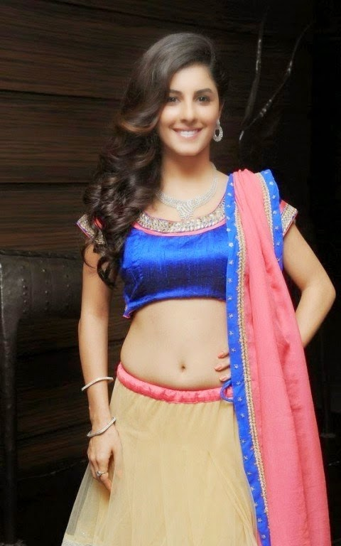 Isha Talwar Navel Show hot stills