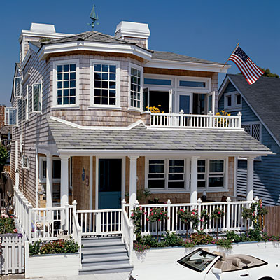 Beautiful beach houses fairhope al for Beach house designs living upstairs